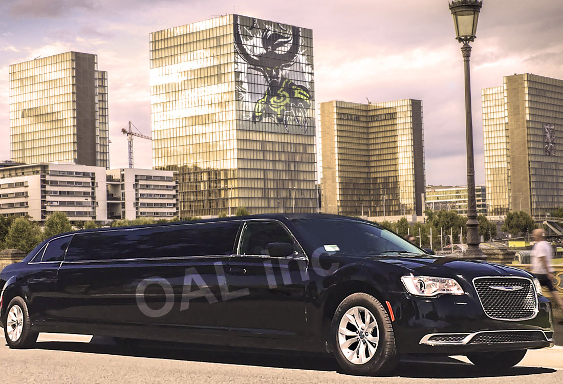 10-Passenger-Chrysler-300M-Stretch-Limo
